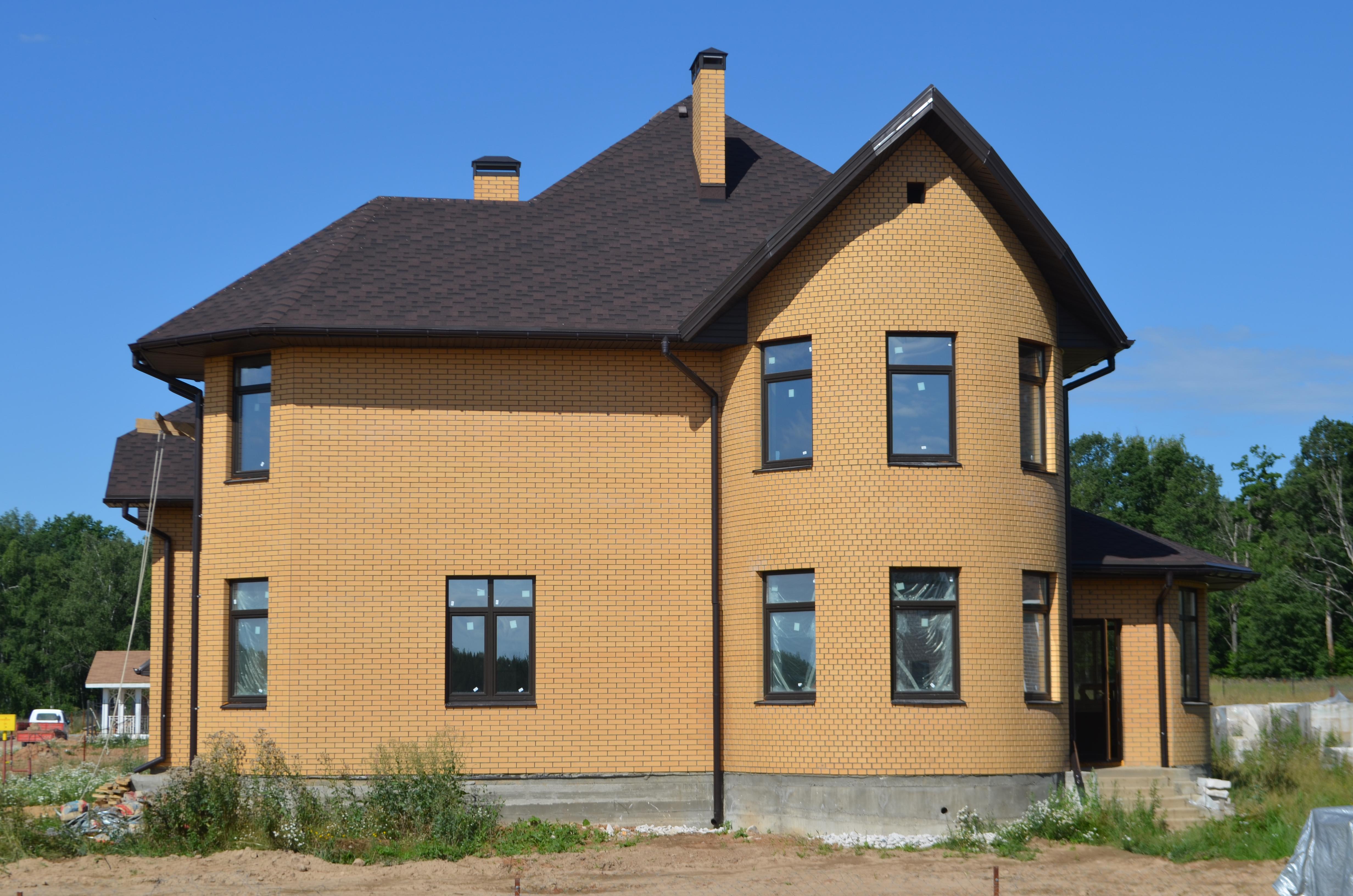 Загородный дом площадью 290 м.кв. Был спроектирован и построен нашей компанией в 2012 году, в д. Нефедьево