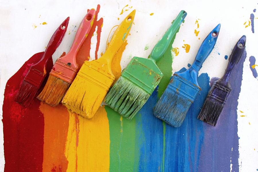 кисточки с красками