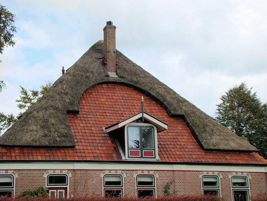 четырехскатная крыша коттедж