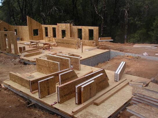 строительство дома из сэндвич панелей