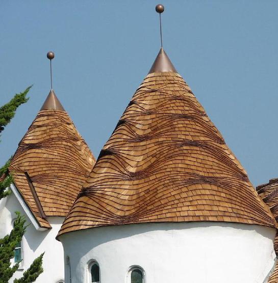 шпилеобразная крыша