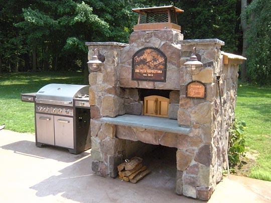 печь барбекю из камня