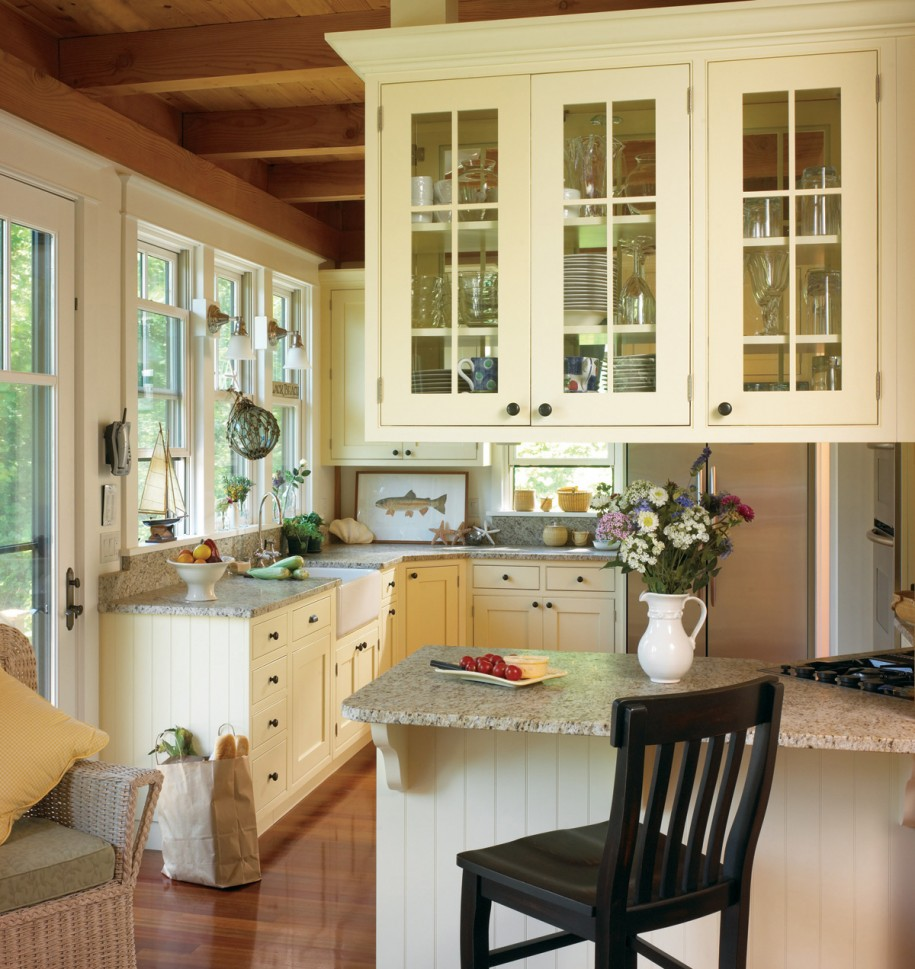 French Country Kitchen Cabinet Colors: Буфет в интерере кухни