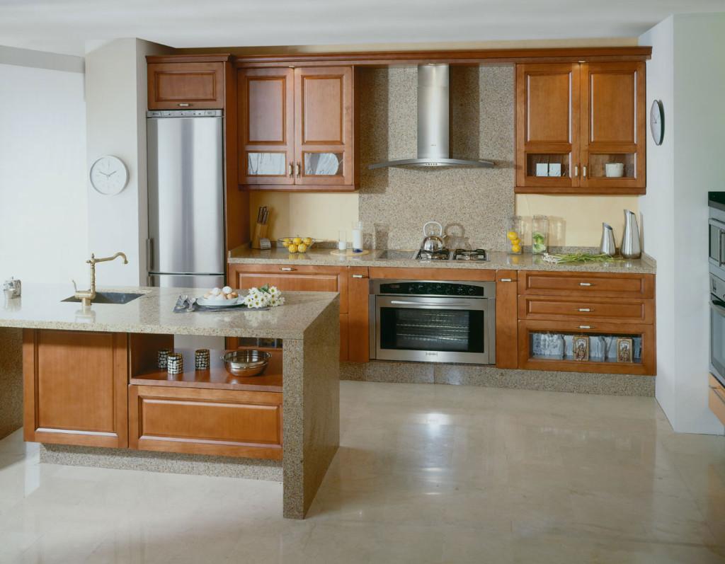 кухонный гарнитур деревянный