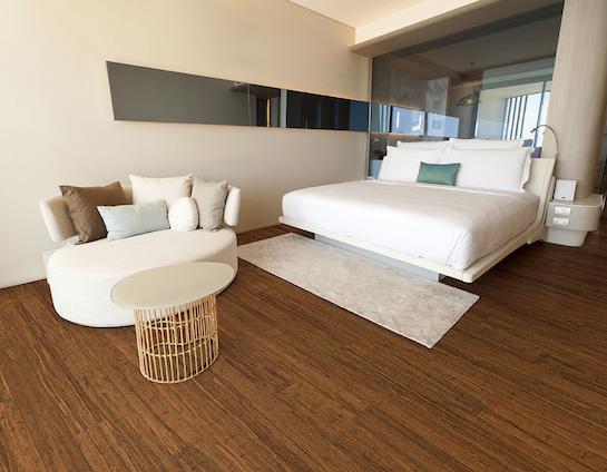 ламинат из бамбука в спальне