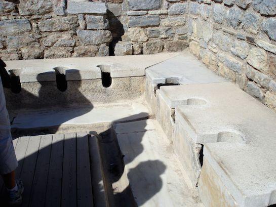 древний туалет