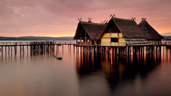 рыбацкие домики над водой