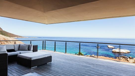 балкон у моря